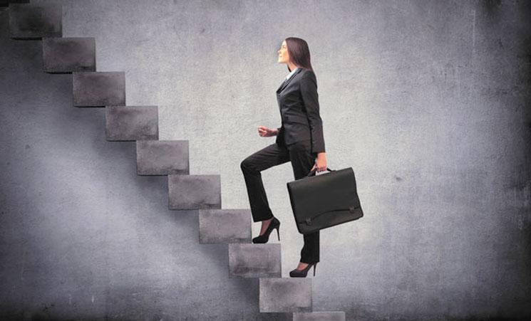 mujer-escaleras